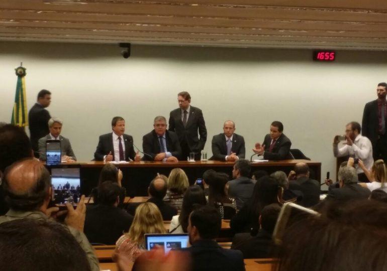 Sindsema presente no ato que apresentou carta contra a Reforma da Previdência em Brasília