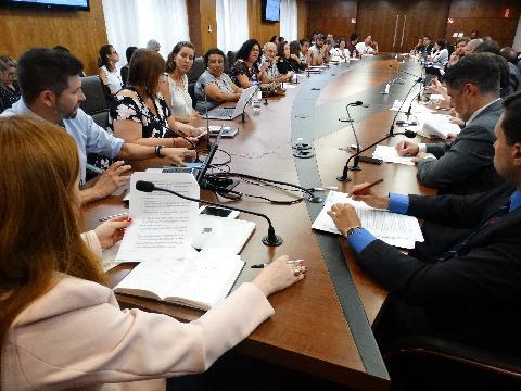 MPMG, Fundação Renova e comunidades atingidas pelo rompimento de Fundão avançam em discussões para reassentamento de famílias