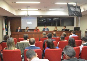 Painel apresenta mecanismos de participação dos atingidos para reparação dos danos causados pelo rompimento da barragem de Fundão