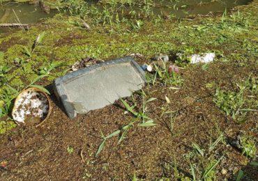 Televisão, sofá e até vaso sanitário: expedição mostra poluição no Rio Verde