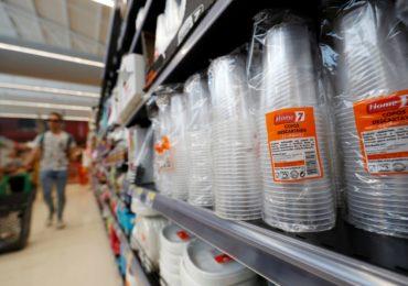 Parlamento Europeu aprova proposta para banir plástico descartável