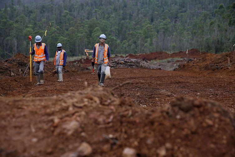 Relatório alerta que há 45 barragens sob ameaça de desabamento