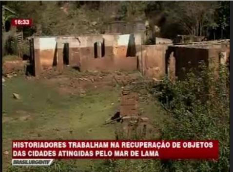 Especialistas trabalham para recuperar o solo atingido pelos rejeitos da Barragem de Fundão