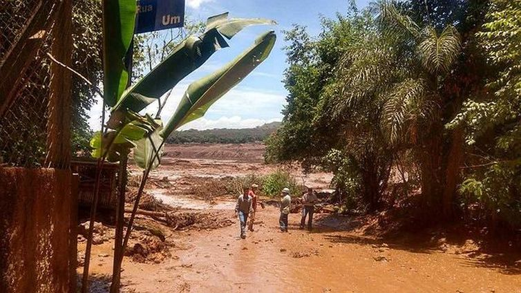 Barragem da Vale se rompe em Brumadinho (MG)