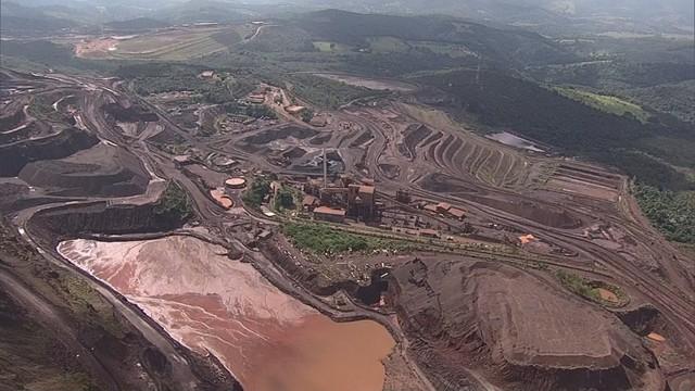 Barragem de Itatiaiuçu: Três famílias voltam para casa após autorização