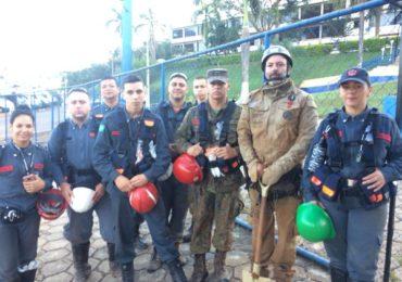 Bombeiros civis e voluntários começam a participar das buscas por corpos em Brumadinho