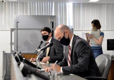 Deputados restringem taxação de inativos e alteram pedágio proposto por Zema
